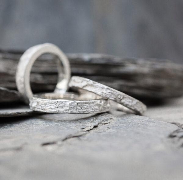 anneau-caillou-artisan-createur-bijoutier-joaillier-bijou-grenoble-seyssins-isere-creation-bague-or-argent